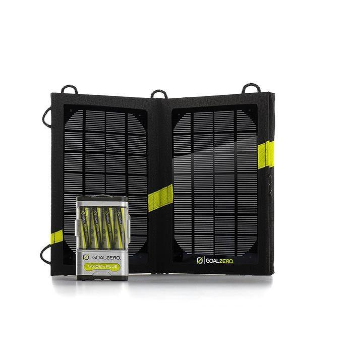 Goal Zero Guide 10 Plus Solar Kit: πακέτο ηλιακής φόρτισης με 4 μπαταρίες ΑΑ και αναδιπλούμενο ηλιακό πίνακα.