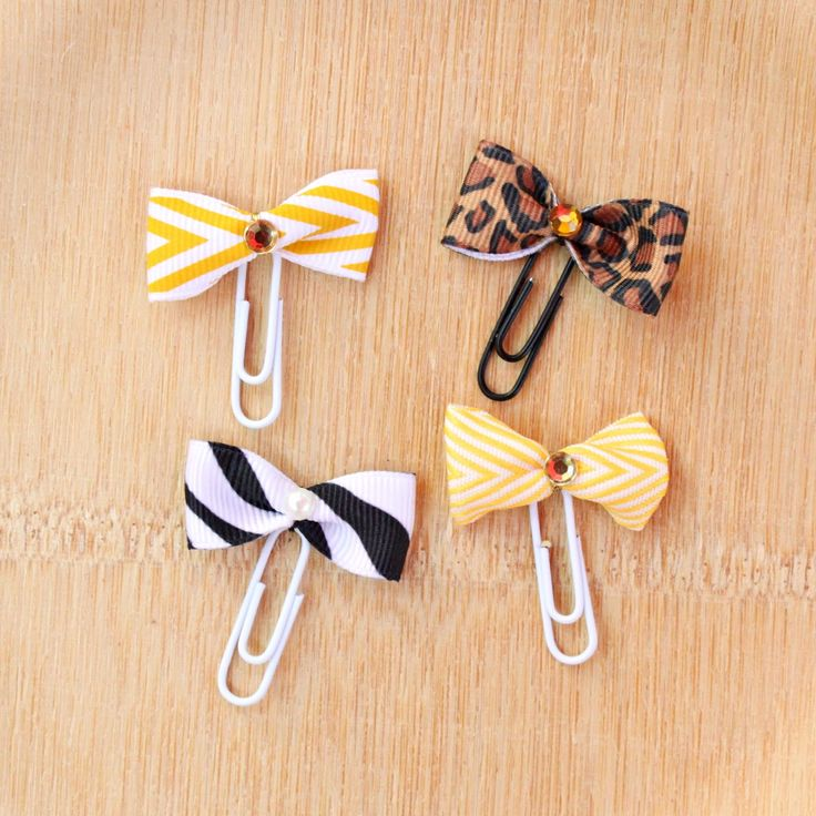 Adorable ribbon bookmarks - such an easy and cute craft!