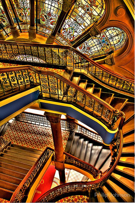 THE GRAND STAIRCASE, QUEEN VICTORIA BUILDING