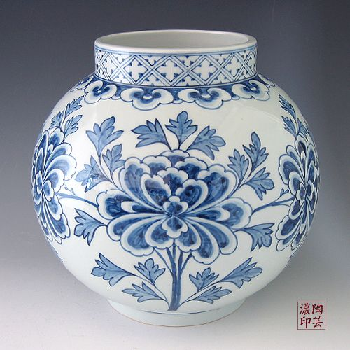 Porcelain Ginger Jar with Blue and White Peony Design - Antique Alive