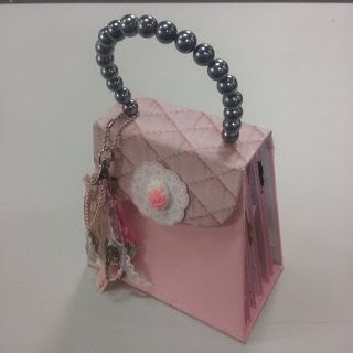 Artfull Crafts - Kaisercraft Cottage Rose Handbag Album