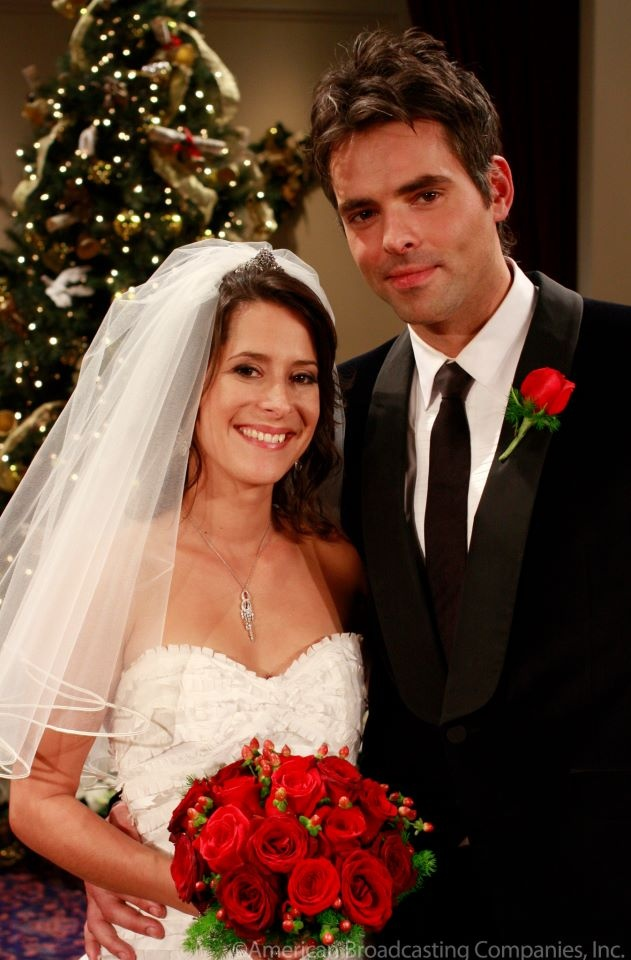 Robin and Patrick (Kimberly McCullough and Jason Thompson)