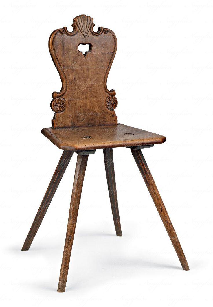 Támlás szék  Dunántúl, 19. sz. közepe, faragott körtefa  95*43*34 cm