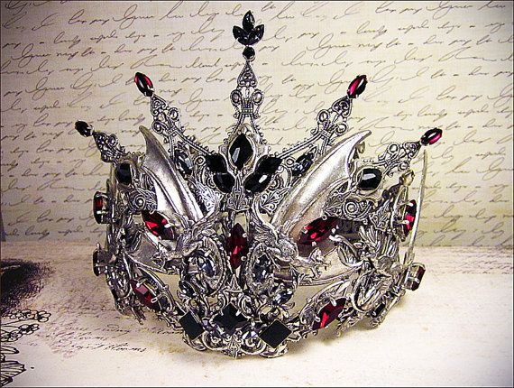 Dark Witch Costume Tiara Fantasy Headpiece por RabbitwoodandReason