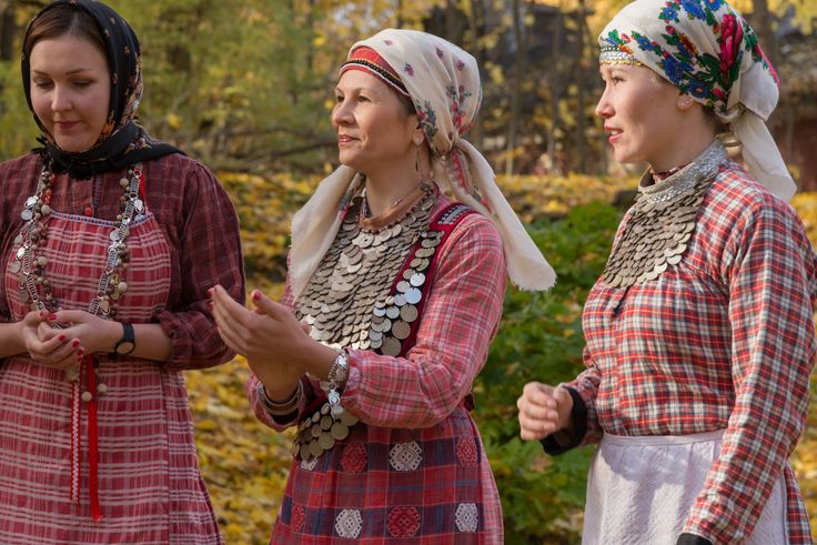 Udmurt traditional clothes, удмурт диськут Photographer: Arp Karm (Estonia)