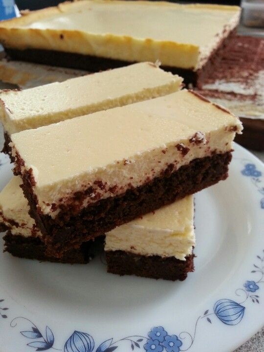 Baked cheesecake and brownie slice