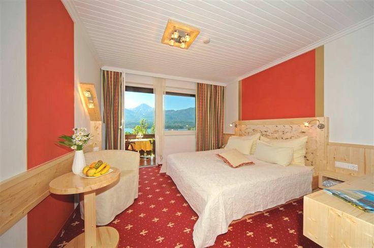 Wir halten dein Urlaubszuhause top gepflegt und am neusten Stand. Alle unsere 10 Zimmer sind individuell gestaltet. Finde das richtige für deinen Urlaub auf unserer Homepage www.naturhotel-faakersee.at