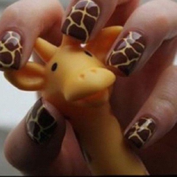 Giraffe NailsGiraffes Prints, Giraffes Nails, Nails Art, Nails Design, Beautiful, Painting Brushes, Animal Prints, Zebras Nails, Nails Polish