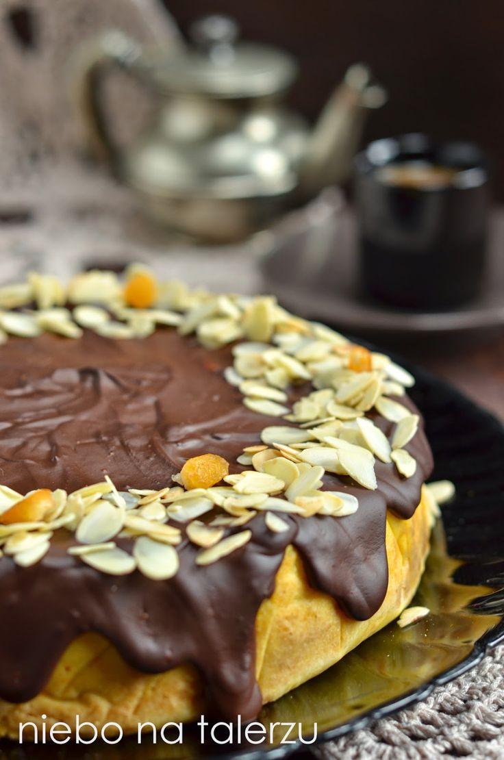 Wilgotne, bardzo dobre ciasto, które niewtajemniczeni w recepturę nazwą sernikiem. Kaszę jaglaną przemycam dalej w różnościach, bo między in...