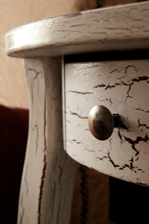 Would love to do this to some garage sale tables for Muebles craquelados