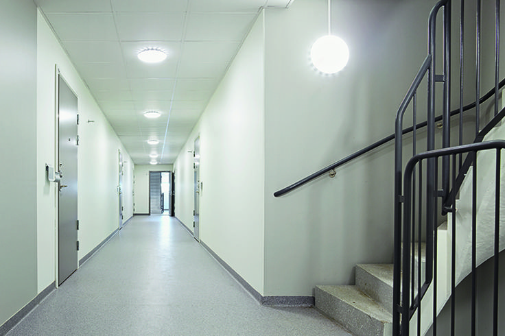 Spar opptil 90% av energiforbruket på korridor- og trappebelysningen!