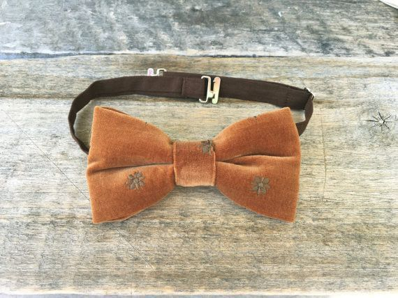 Light brown embroidered velvet bow tie - a unique product by kristineaccessories. Via en.DaWanda.com.