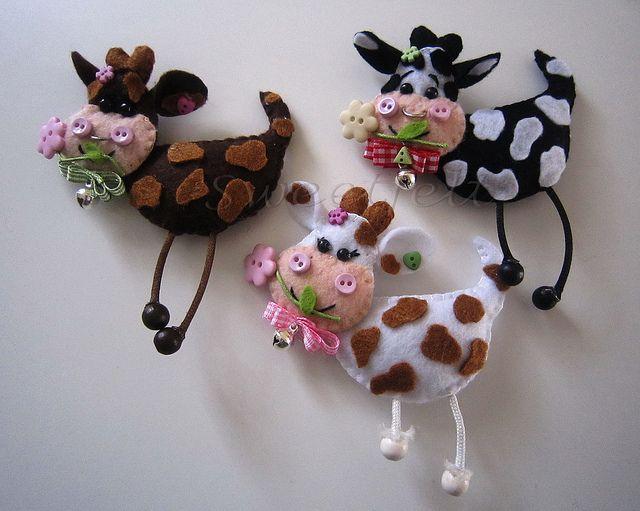 divertidas vacas de fieltro