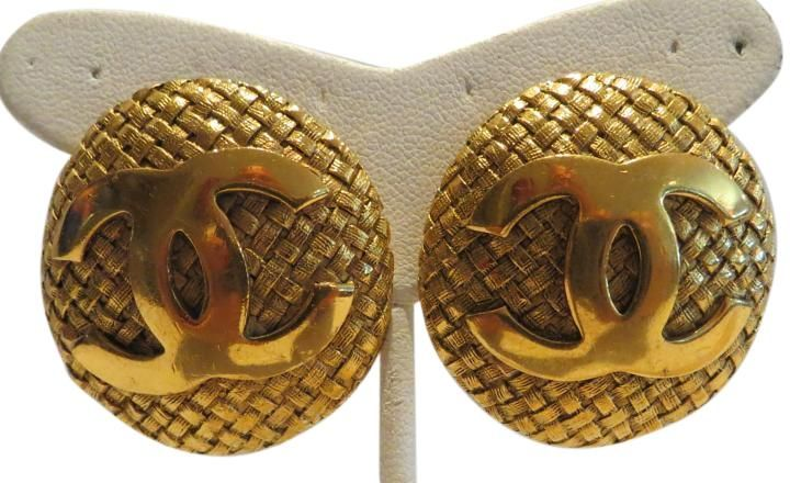 """Chanel Vintage 1992 Weave Gold-tone Earrings with """"CC"""" Logo. Free shipping and…"""