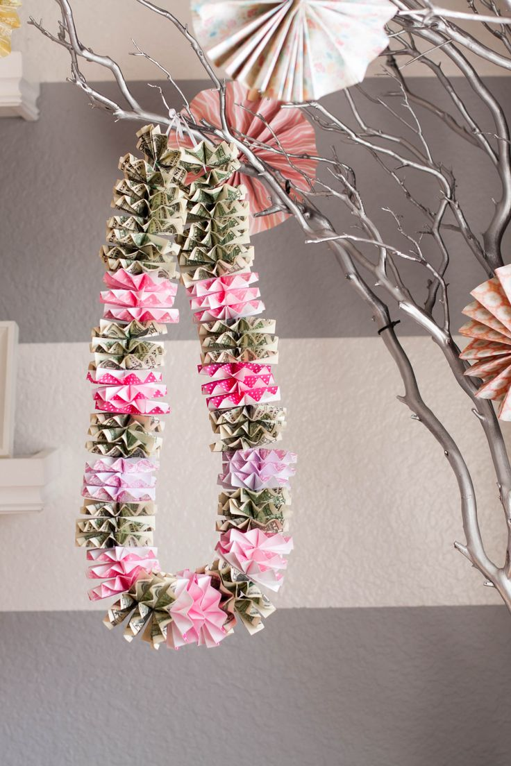 Money lei for graduation or for any occasions. Who doesn't ...