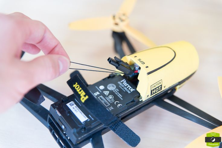 Les drones Parrot sont très faciles à détourner, selon des chercheurs - http://www.frandroid.com/android/applications/securite-applications/303488_drones-parrot-tres-faciles-a-detourner-selon-chercheurs  #Drones, #ObjetsConnectés, #Sécurité