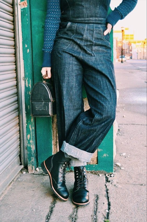 Jeans and boots on. Lunch packed. Let's get to work. #redwingwomen #redwingheritage #3366 : @flashbacksummer
