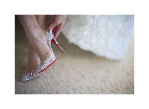 この日の為に用意したウエディングシューズ✨ #bestbridal #hawaii #wedding #weddingday #weddingshoes #waikiki #beautiful #weddingphotography #christianlouboutin #louboutin #love #cute #happy #tbt #yolo #followme #followplease #follow4follow #ベストブライダル #ハワイ挙式 #ハワイウエディング #ハワイ #ウエディング #ウエディングシューズ #ルブタン #クリスチャンルブタン #プレ花嫁 #可愛い #結婚式 #キラキラ