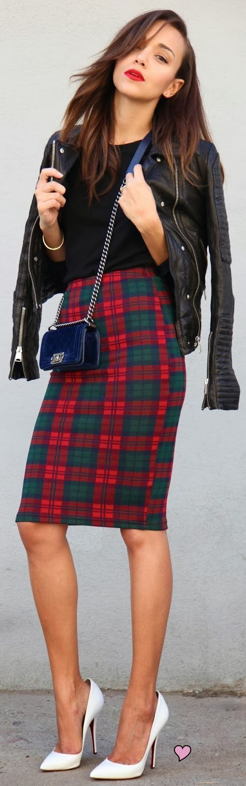 plaid pencil skirt & Chanel shoulder bag