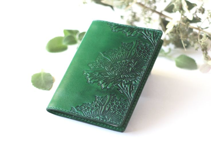 https://www.etsy.com/ru/listing/258351387/green-leather-passport-cover-passport?ref=shop_home_active_5