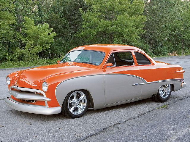 Sweet '49 Ford Coupe Custom: '49's and '50's are way kool! Is that a Cal Custom floater bar!? I had one like that bar in my '50's grille.