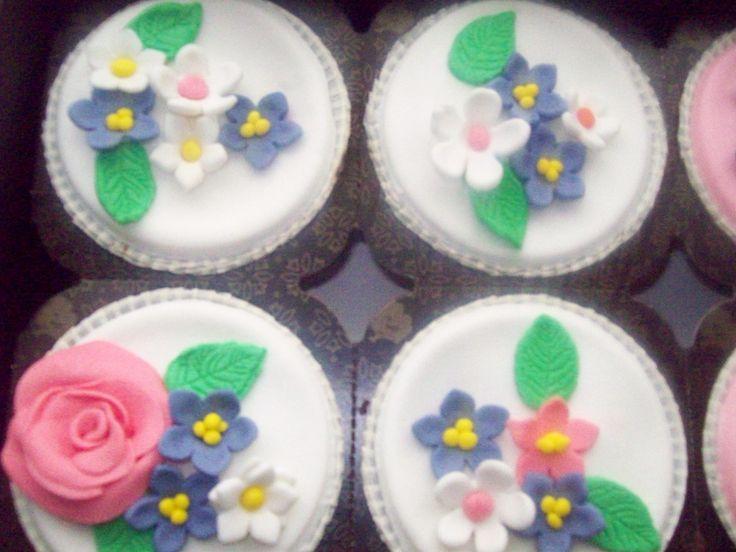 Flowers cupcakes
