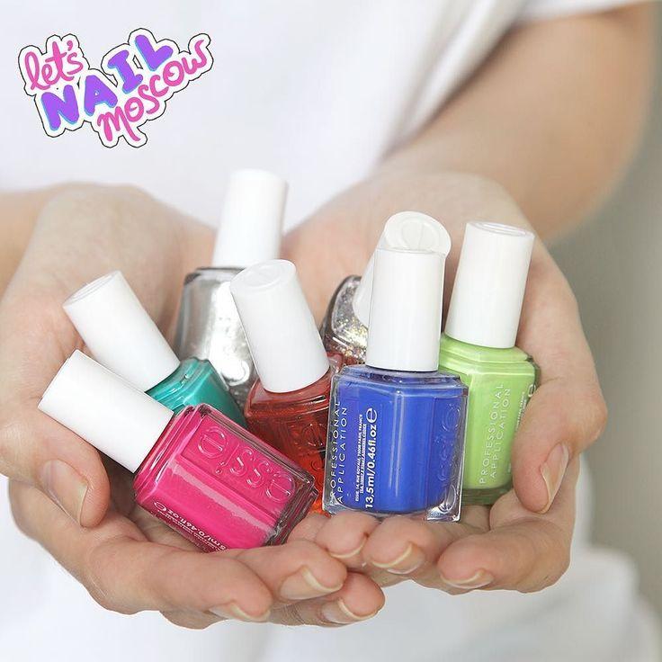 #nails #nailart #beautifulnails #funnails #ногти #маникюр #красивыеногти #essielove #essie  Муки выбора  Я знаю что многие любят на ногтях глиттер металлики голографию необычные текстуры... А я просто обожаю чистые однотонные крема  Ну и  ими рисовать удобнее))
