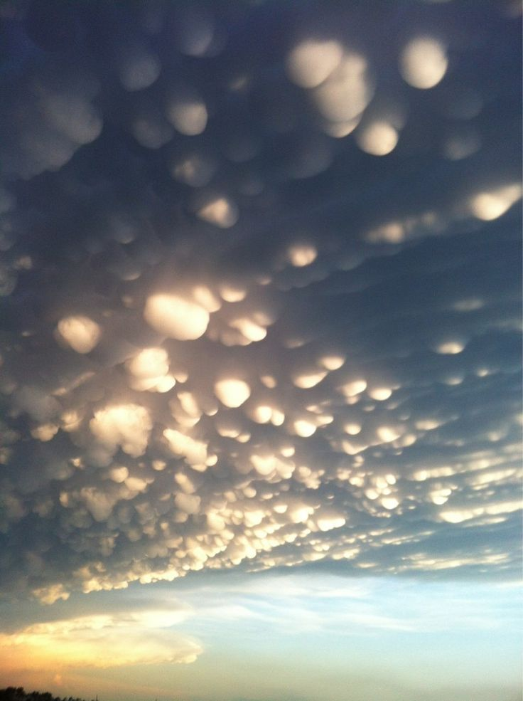 Mammatus clouds after a major storm system blew through Southern Sask. (Twitter / SKGreer)