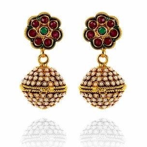 Agastya Temple Pearl Earrings http://blossomboxjewelry.com/de04.html #jewelry #fashion #bollywood #designer #earrings #golden #pearl #jhumki #golden #red #gemstone