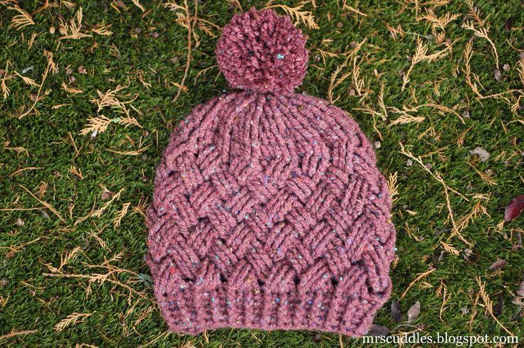 Mrs. Cuddles: Walda hat