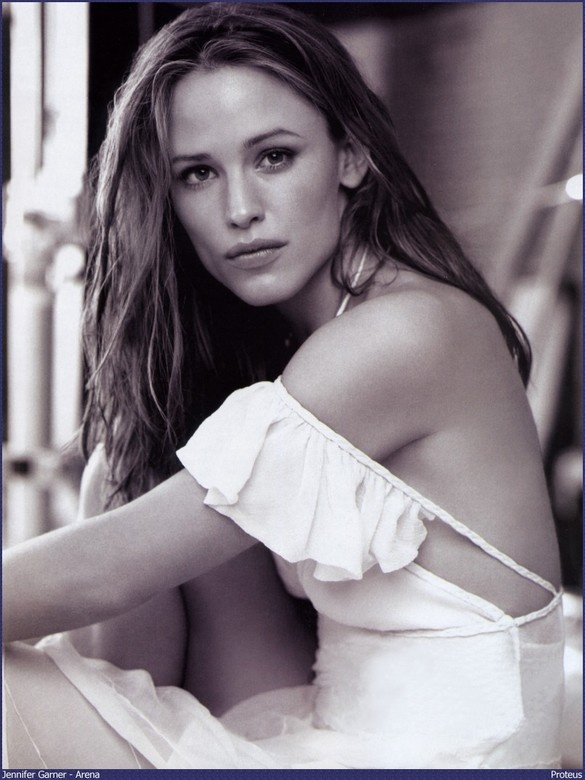 Jennifer Garner..I loved the show Alias that she was in..such a talented actress..