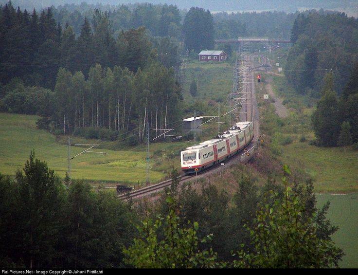 RailPictures.Net Photo: 7x08 Finnish Railways FIAT/Alstom Sm3 at Perniö, Finland by Juhani Pirttilahti