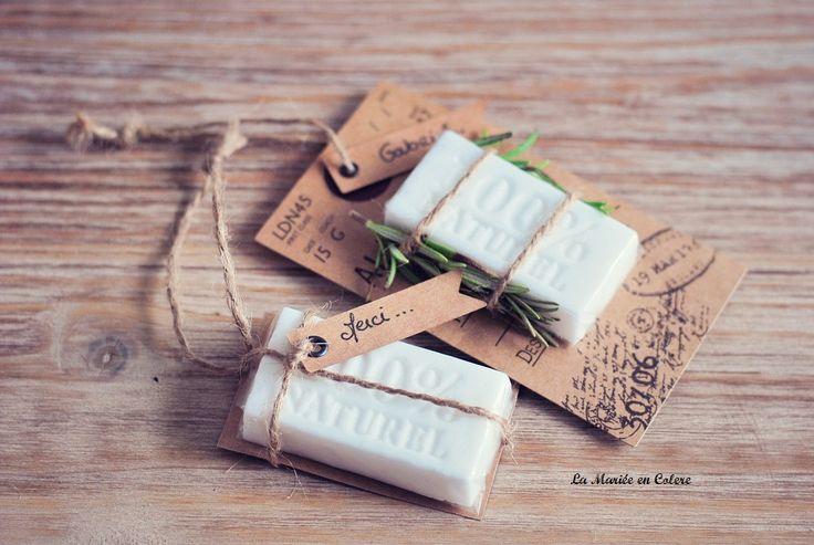 Cadeau original pour vos invités de mariage : les jolis savons (Mini savon de Bonifacio ?)
