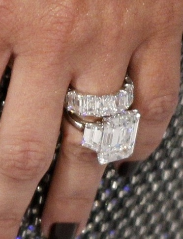 Kim Kardashian Wedding Set- Woah. Wish I had someone who loved me that much..... and was rich. Lol