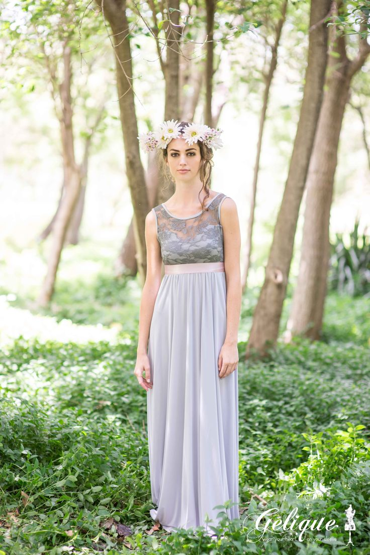 A fabric sweatheart under a Lace bodice overlay is known as our Gelique Daisy Dress. This Style has a slightly higher neckline