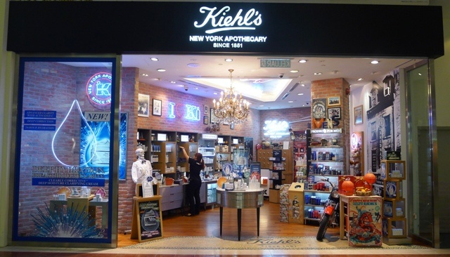 Suria KLCC  Store Location: C27, Concourse Level  Contact #: 03-2300-2784  Working hours: 10 a.m. – 10 p.m.  http://kiehlstimes.com.my/   https://www.facebook.com/myKIEHLS