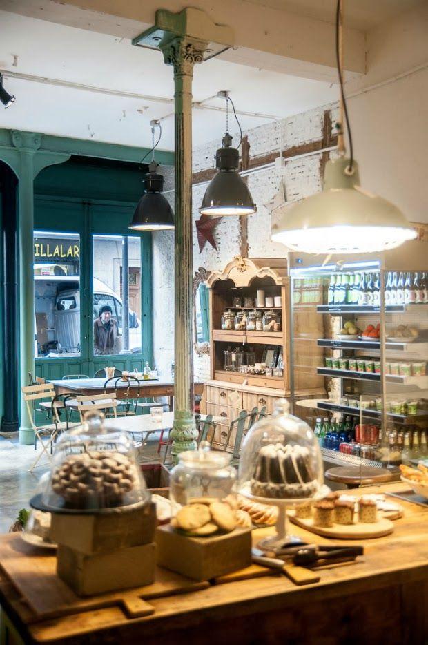 IL Tavolo Verde.  Un organic café & antimarket en Villalar 6, Madrid. De lunes a domingo de 10 a 19.
