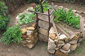 Keyhole Gardens and how to make one