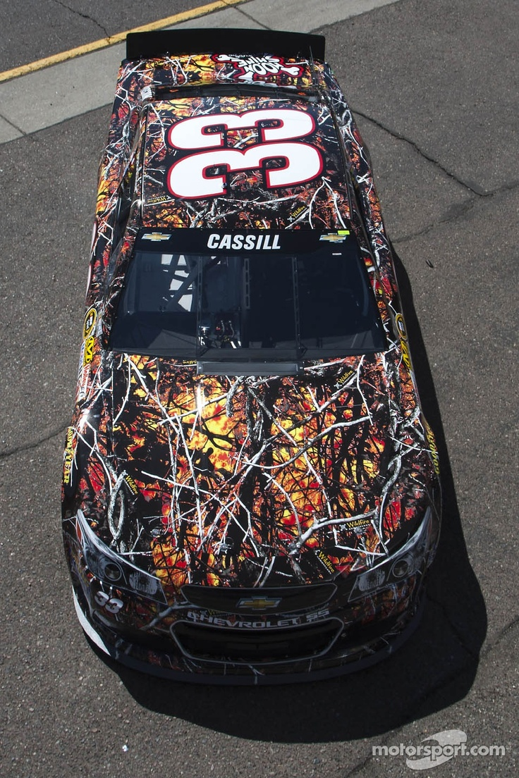 Weird paint scheme for Landon Cassill. It's the bomb tho :)