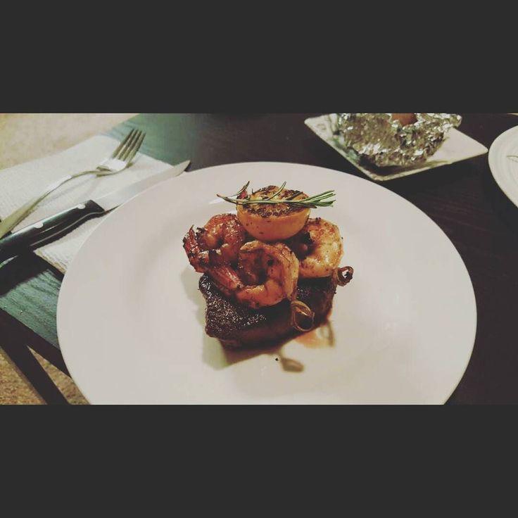 오랜만에 스테이크 구워서 맛있게 먹음 #filetmignon#steak#shrimp#sousvide#herb#rosemary#oregano#meyerlemon#oliveoil#cookathome#foodporn#foodstagram#homecooked#sogood#스테이크#수비드#새우#필레미뇽#홈쿡스타그램#먹스타그램#맛스타그램#소고기#허브#로즈마리#오레가노#맛이오레가노 by parkddongggae