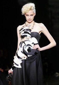 Robe longue du soir noir, Giorgio Armani haute-couture 2008