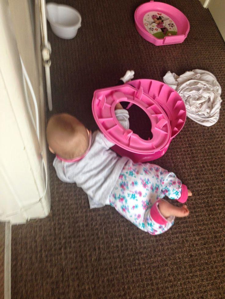 Everything Mummy: Crawling Babies