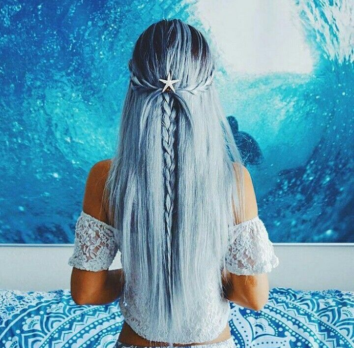 Blue sea hair