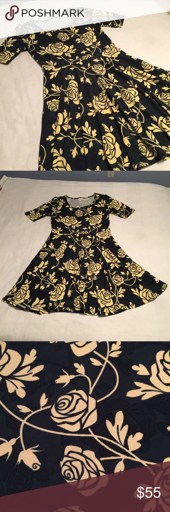 ��listing! Lularoe Rose Print Nicole ��listing! Lularoe Rose Print Nicole  Stunning Dark Hunter