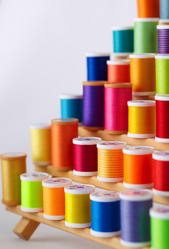.: Thread Spools, Crafts Rooms, Rainbows Colors, Sewing Thread, Happy Colors, Colors Thread, Rainbows Thread, Sewing Rooms, Bright Colors