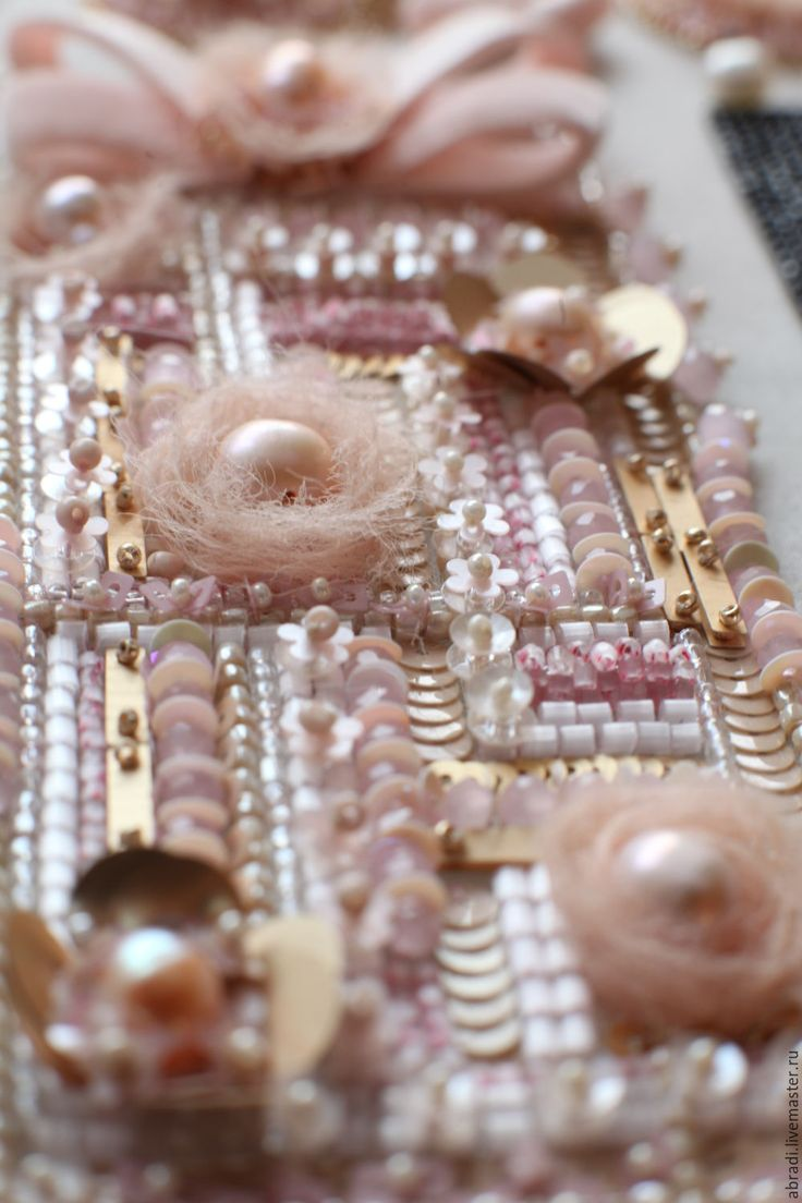 """Купить Браслет """"Твидовое настроение"""". - бледно-розовый, браслет, жемчуг, коко шанель, стразы, пайетки"""
