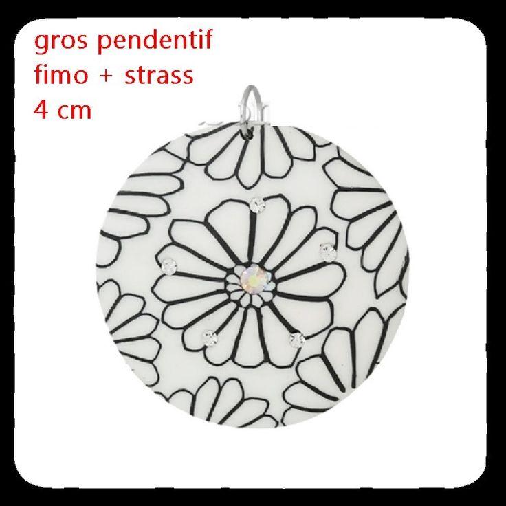Pendentifs en Pâte Fimo Forme Rond Blanc, Fleurs, 4.4cm x 3.9cm