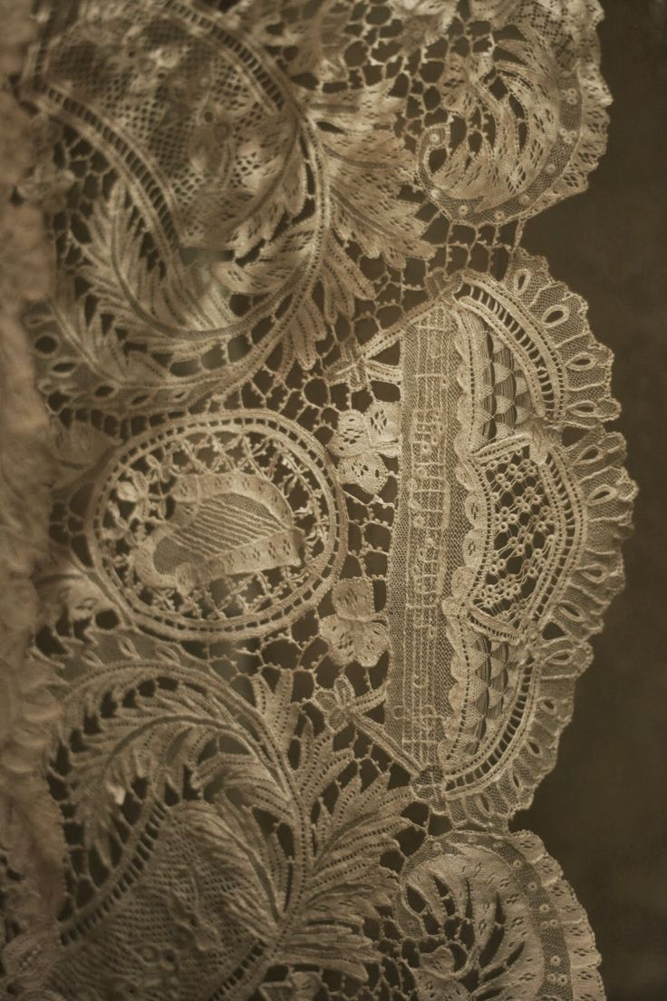 The Sheelin Antique Irish lace Museum Youghal Lace With Musical Score