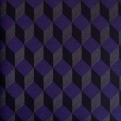 Diseño con formas geométricas 3D malva y gris oscuro en este papel pintado de la colección Virtual Reality de Parati.