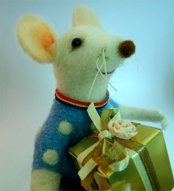Needle felted mouse by OllieStory on Etsy, #Feltmouse, #Needlefeltedmouse